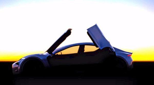 خودروی آیندهی فیسکر با درهای پروانه ای - اجاره خودرو طباطبایی