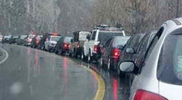 ترافیک نیمه سنگین و بارش برف در جادههای کشور - اجاره خودرو طباطبایی