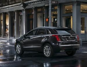 2017 Cadillac XT5 5 300x232 کادیلاک شاسی بلند XT5 مدل ۲۰۱۷   اجاره ماشین