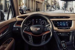 2017 Cadillac XT5 dashboard 300x200 کادیلاک شاسی بلند XT5 مدل ۲۰۱۷   اجاره ماشین