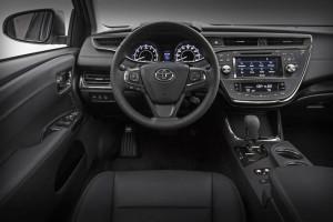 Toyota Avalon 2016 1 300x200 تویوتا آوالون ۲۰۱۶   اجاره ماشین