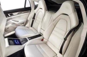 2017 Porsche Panamera rear interior seats 600x398 300x199 پانامرا مدل ۲۰۱۷   اجاره ماشین