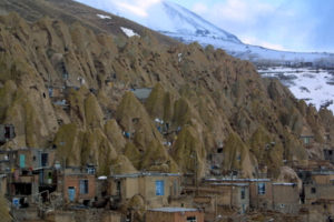 kandovan tabriz 4 300x200 خانه های کله قندی روستای کندوان تبریز   اجاره ماشین