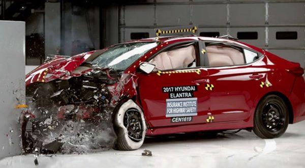 هیوندای النترا 2017 موفق به کسب بالاترین امتیاز تست تصادفات شد - اجاره خودرو طباطبایی