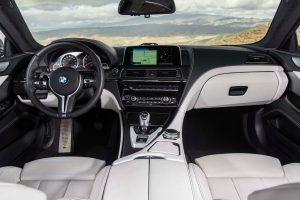 rent car 2017 07 18 03 41 59 300x200 دو روح در یک بدن: مقایسه بامو M6 با آلپینا B6!   اجاره ماشین