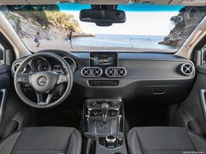 rent car 2017 07 19 21 44 01 300x225 رونمایی رسمی از پیکاپ مرسدس بنز X کلاس   اجاره ماشین