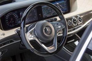 rent car 2017 08 05 22 53 27 300x200 جزئیات برنامههای رانندگی خودکار مرسدس   اجاره ماشین