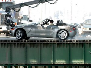 rent car 2017 08 09 05 00 14 300x225 تاریخچه فیلمهای بامو   اجاره ماشین