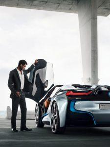 rent car 2017 08 10 05 03 57 225x300 احتمال معرفی بامو i8 رودستر در لسآنجلس   اجاره ماشین