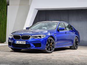 rent car 2017 08 23 08 15 16 300x225 هیولایی از باواریا ، معرفی رسمی نسل جدید بامو M5   اجاره ماشین