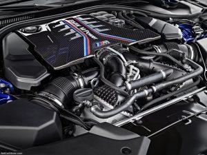 rent car 2017 08 23 08 15 29 300x225 هیولایی از باواریا ، معرفی رسمی نسل جدید بامو M5   اجاره ماشین