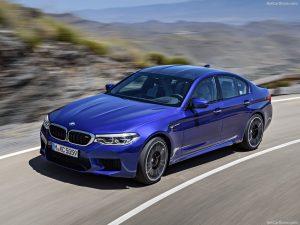 rent car 2017 08 23 08 15 45 300x225 هیولایی از باواریا ، معرفی رسمی نسل جدید بامو M5   اجاره ماشین