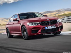 rent car 2017 08 23 08 17 46 300x225 هیولایی از باواریا، معرفی رسمی نسل جدید بامو M5   اجاره ماشین
