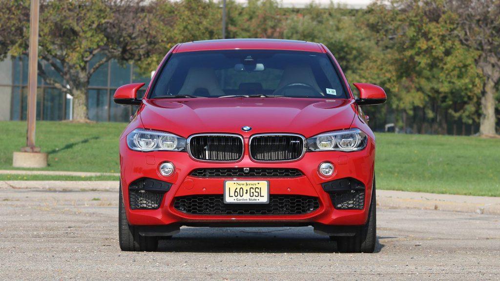 car rent bmw m6 3 1024x576 بیاموایکس۶ام بررسی ومشخصات فنی این خودرو   اجاره ماشین