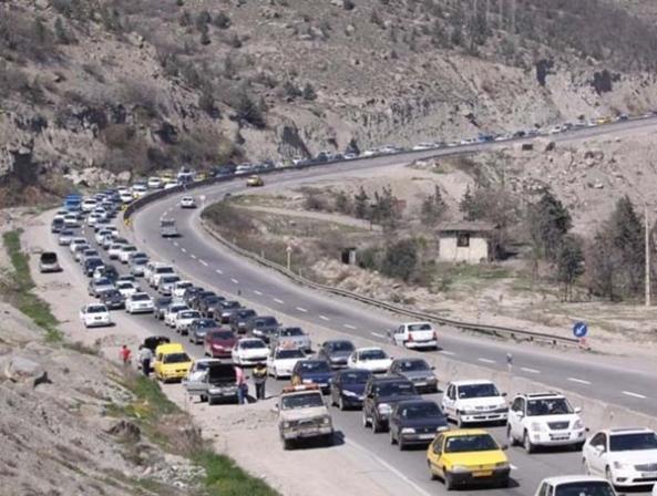 ترافیک نیمه سنگین در هراز و کندوان - اجاره خودرو طباطبایی