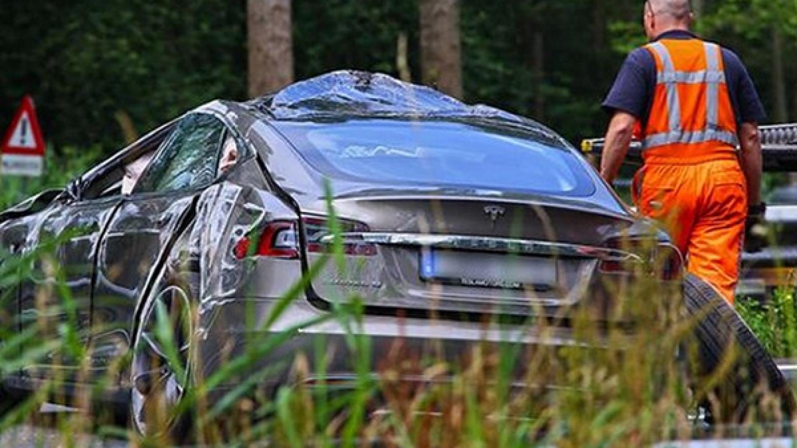 تصادف یک دستگاه تسلا مدل S دیگر منجر به مرگ راننده شد - اجاره خودرو طباطبایی
