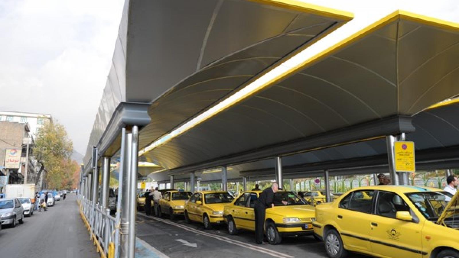 نصب تابلوهای جدید در پایانه ها و ایستگاه های اتوبوس - اجاره خودرو طباطبایی