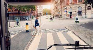سیستم جدید ولوو برای اعلام هشدار به عابرین پیاده اطراف اتوبوس ها معرفی شد - اجاره خودرو طباطبایی