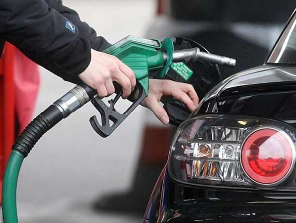 مصرف بنزین در منطقه لرستان به 180 میلیون لیتر رسید - اجاره خودرو طباطبایی