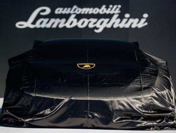 لامبورگینی احتمالا در حال کار روی ابرخودروی الکتریکی به نام Vitola است - اجاره خودرو طباطبایی