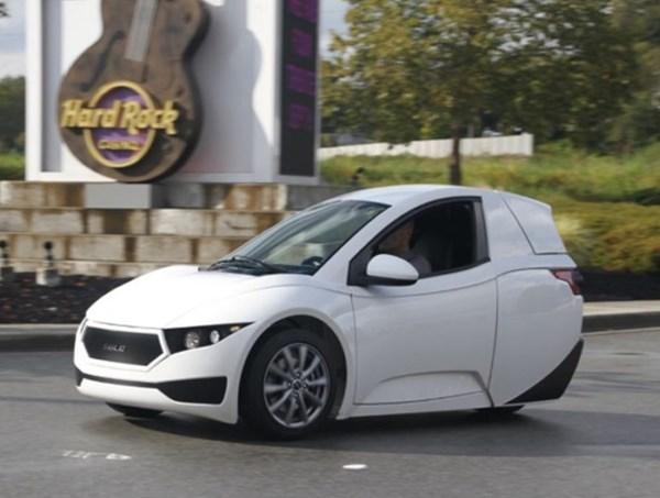 شرکت الکترا مکانیکا خودروی کوچک خود را با نام سولو معرفی کرد - اجاره خودرو طباطبایی