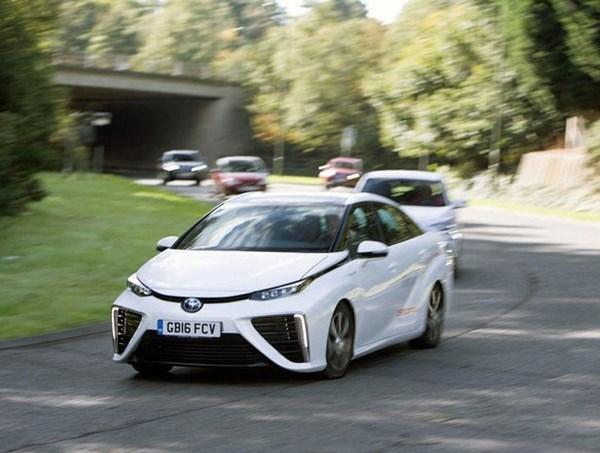 سرمایه گذاری ۲۰۰ میلیون یورویی آلمان در زمینه خودروهای هیدروژنی