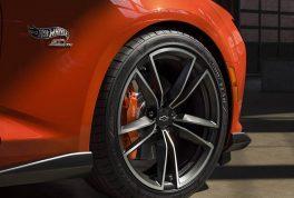 2018 chevrolet camaro hot wheels edition3 264x178 1 معرفی شورولت کامارو COPO با پیشرانه ۸ سیلندر   اجاره ماشین