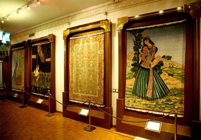 Car Rent Carpet Museum Rasam Arabzadeh 1 بررسی کامل موزه فرش رسام عرب زاده   اجاره ماشین