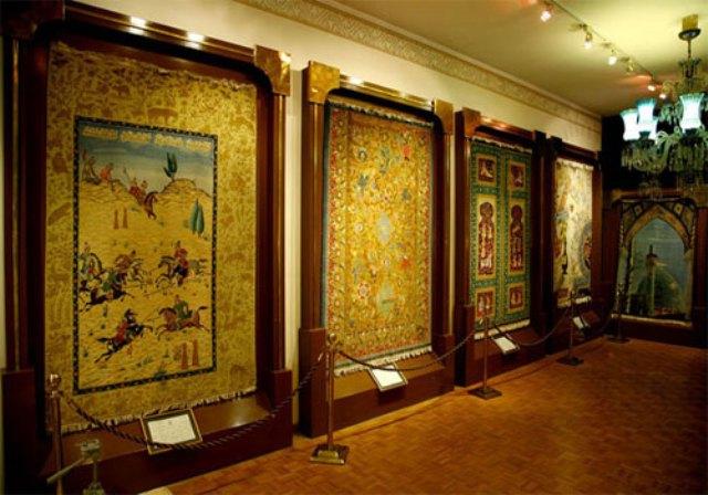 Car Rent Carpet Museum Rasam Arabzadeh 2 بررسی کامل موزه فرش رسام عرب زاده   اجاره ماشین