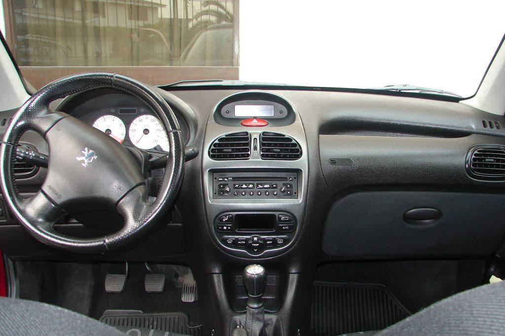 Peugeot 206 1 1024x683 اجاره پژو ۲۰۶   اجاره ماشین