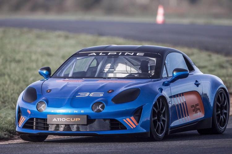 رنو آلپاین با مدل A110 وارد مسابقات اتومبیلرانی میشود