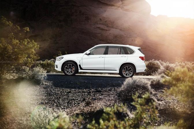 مشخصات فنی شاسیبلند جدید بامو X7 - اجاره خودرو