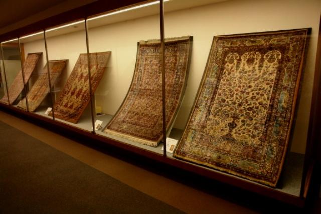 rent car Iran Carpet Museum 1 موزه فرش ایران را چگونه با اجاره ماشین بدون راننده بازدید کنیم؟!   اجاره ماشین