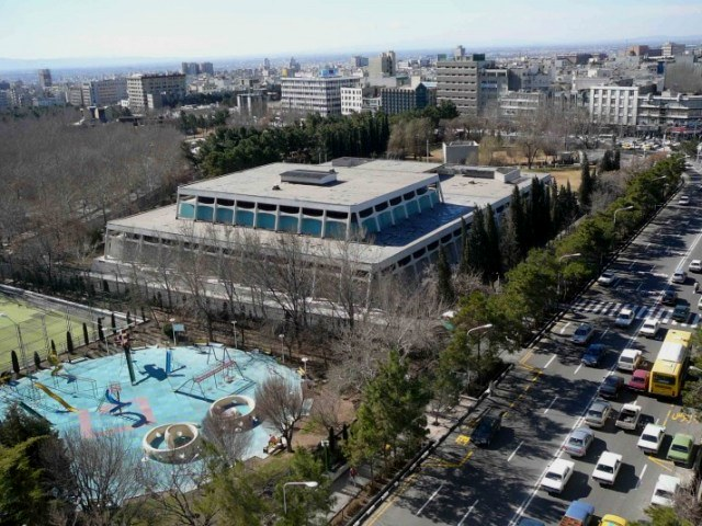 rent car Iran Carpet Museum 2 موزه فرش ایران را چگونه با اجاره ماشین بدون راننده بازدید کنیم؟!   اجاره ماشین