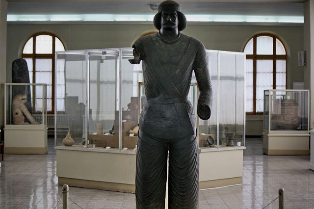 rent car Museum Ancient Iran 4 موزه ملی ایران با بررسی کامل این موزه   اجاره ماشین