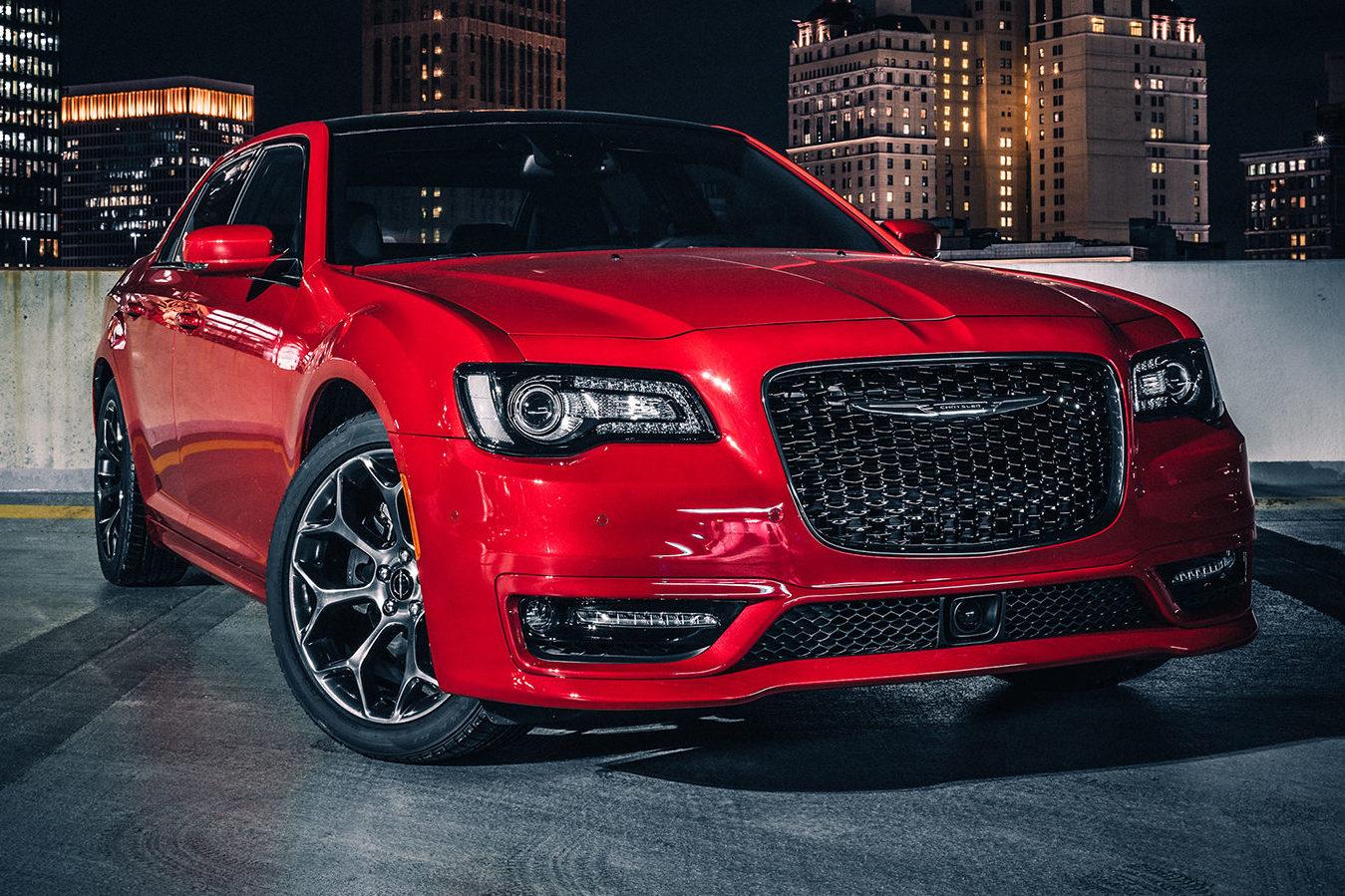 2018 Chrysler 300S front view 01 e1504194198506 کرایسلر ۳۰۰ مدل ۲۰۱۸ نقد و بررسی   اجاره ماشین