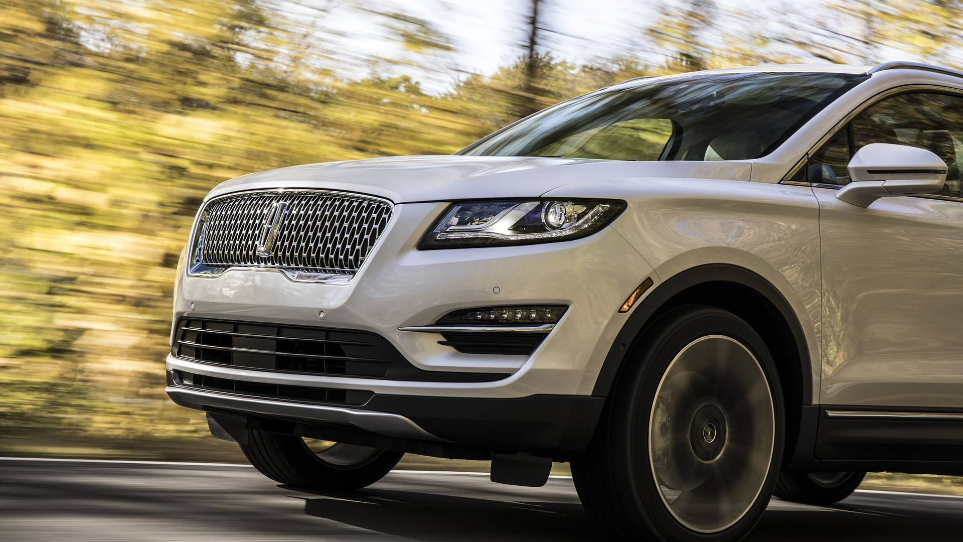 لینکلن MKC Gets A -اجاره ماشین - اجاره خودرو
