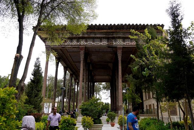 کاخ چهل ستون اصفهان-اجاره ماشین-اجاره خودرو