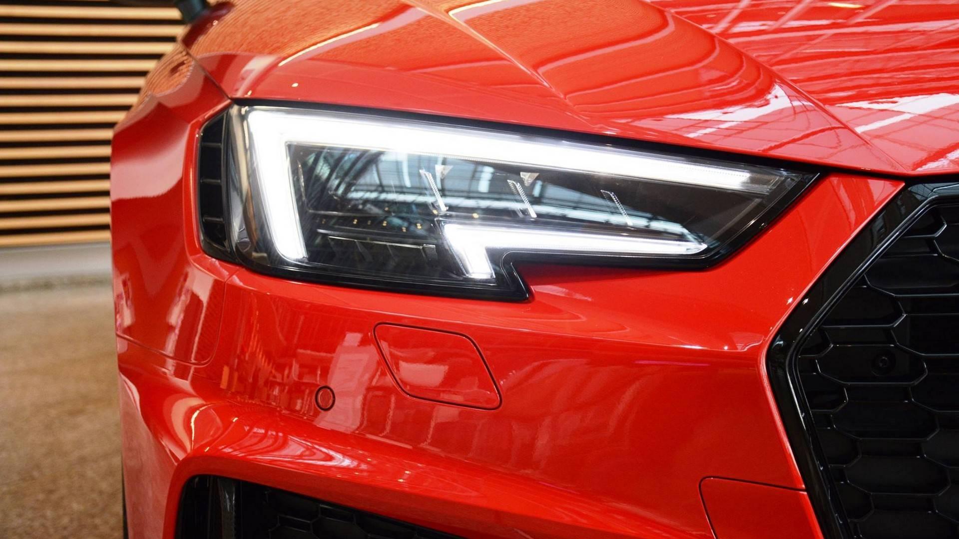 5a153f9d47f61 2018 audi rs4 avant misano red آئودی RS4 آوانت ۲۰۱۸ رونمایی شد   اجاره ماشین