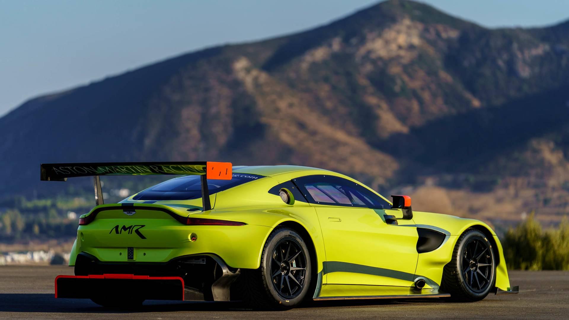 5a19230284376 2018 aston martin vantage gte استون مارتین GTE خودروی جدید با پیشرفت جدید برای مسابقات رونمایی کرد   اجاره ماشین