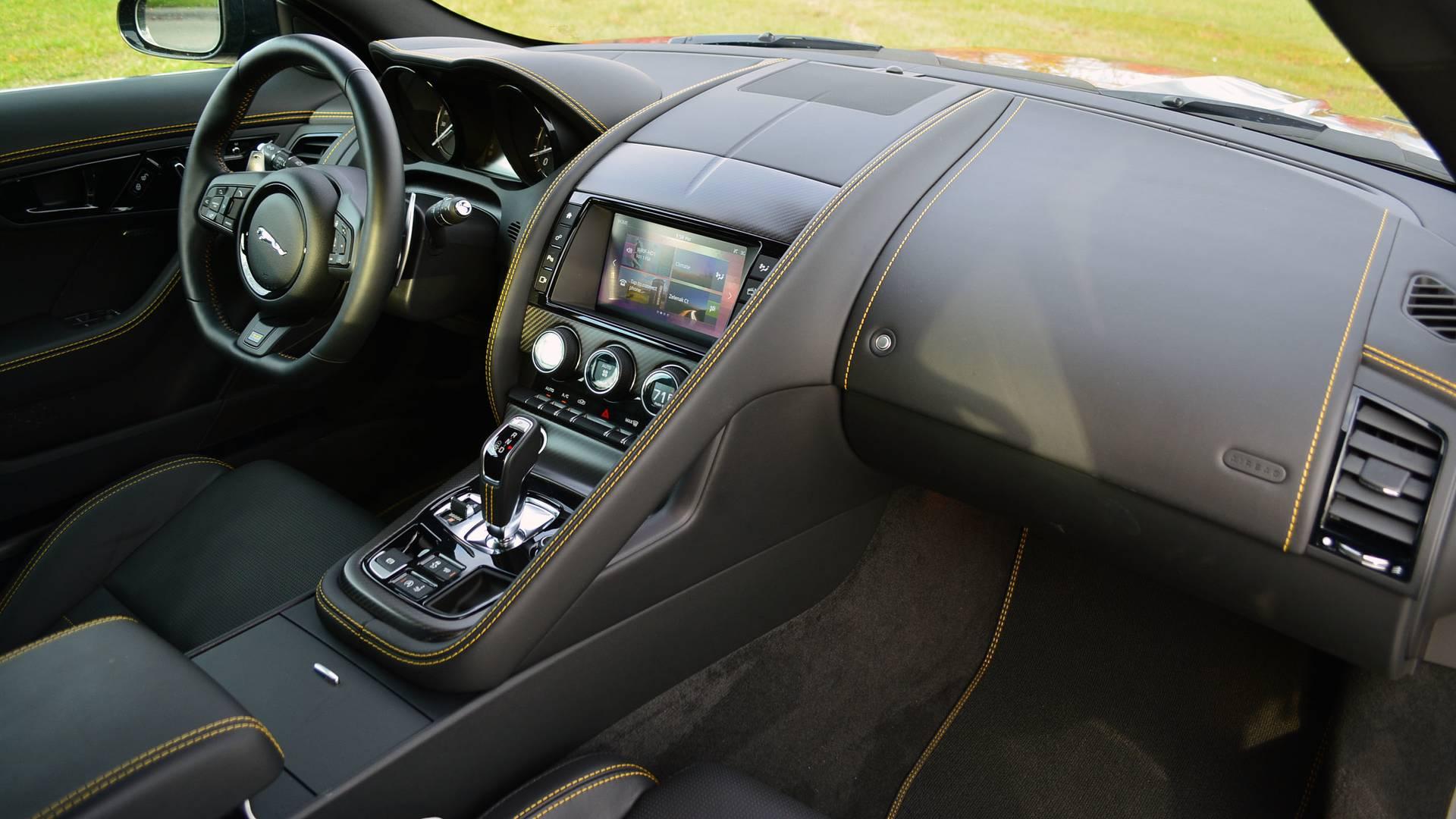 5a1d4bcfc3d6f 2018 jaguar f type sport 400 review جگوار F Type مدل ۲۰۱۸ رونمایی شد با عکس های جدید و زیبا   اجاره ماشین