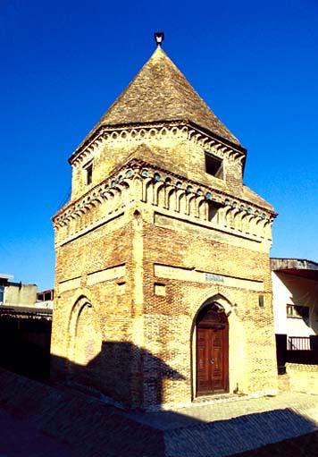 Rent Car Sultan Tower Zain Abidine Sari Mazandaran تاریخچه برج سلطان زین العابدین ساری   اجاره ماشین