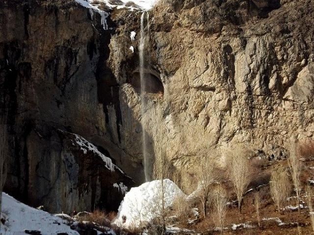 روستا و آبشار سنگان تهران -  اجاره خودرو - اجاره ماشین