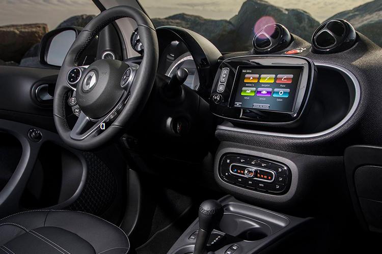 Smart FotTwo Cabriolet 2018 / اسمارت فورتو کابریولت - اسمارت فورتو کابریولت - اجاره خودرو - اجاره ماشین - کرایه ماشین