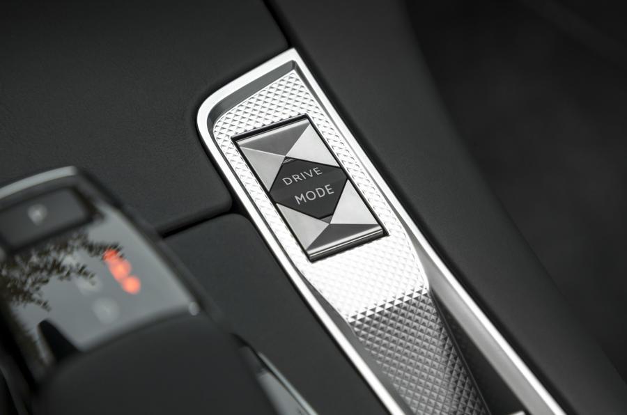 ds7 crossback driving mode controls DS7 کرراس بک مدل ۲۰۱۸ نقد و بررسی   اجاره ماشین