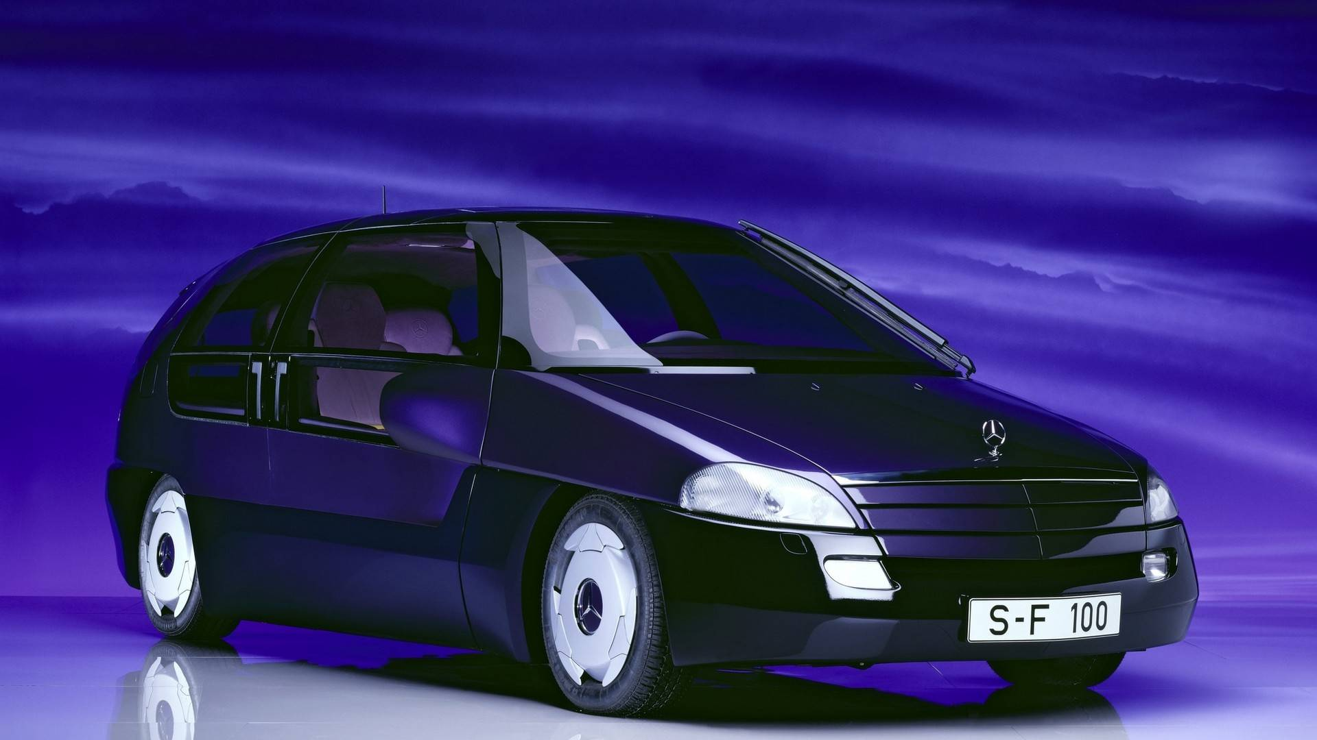 1991 mercedes f100 concept مرسدس F100 مدل ۱۹۹۱ نقد و بررسی این خودرو زیبا   اجاره ماشین