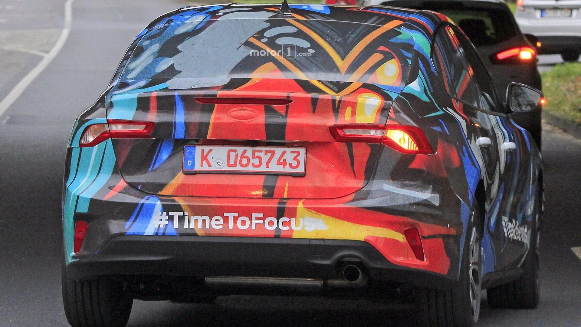 2019 ford focus sedan spy photo فورد فوکوس در ماه ژوئن رونمایی می شود   اجاره ماشین