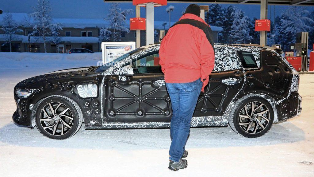 ولوو V60 - اجاره ماشین - اجاره خودرو - کرایه ماشین