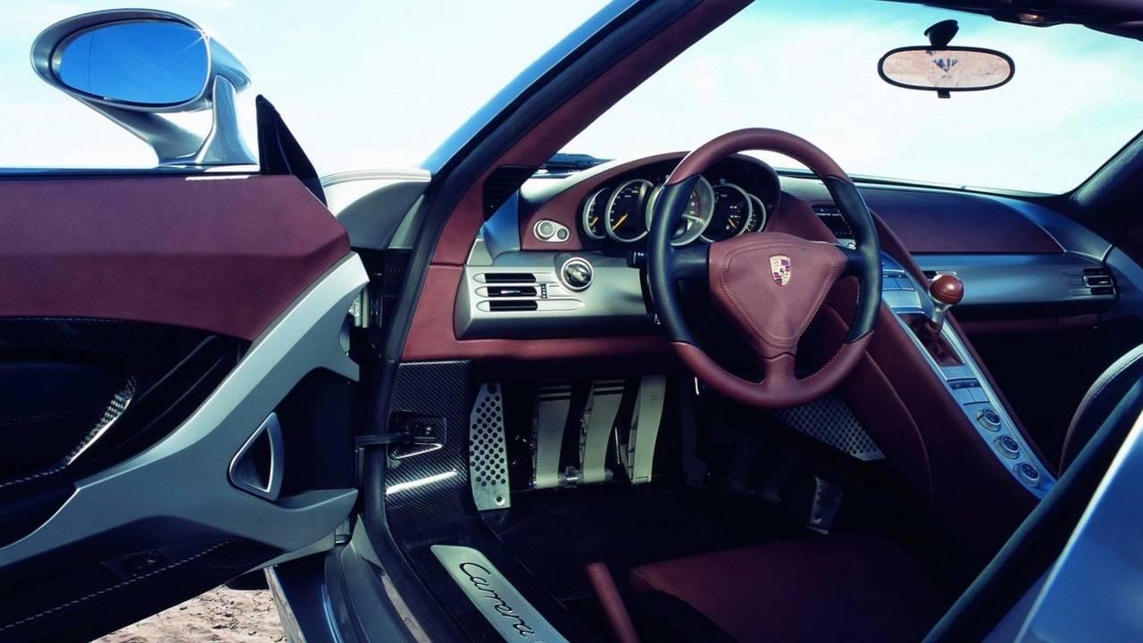 5a6ed456865ec 2004 porsche carrera gt پورشه کاررا GT مدل ۲۰۰۴ نقد و بررسی   اجاره ماشین