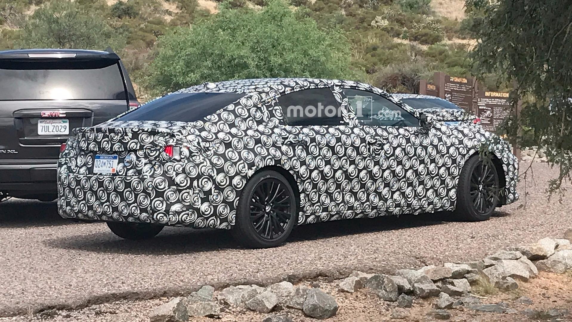 5acc570a06842 2019 lexus es spy photos لکسوس ES مدل ۲۰۱۹ خود را با تعییرات زیبا نمایش می دهد   اجاره ماشین